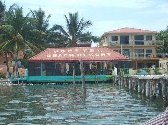 Popeyes Beach Resort: Hotel from the ferry