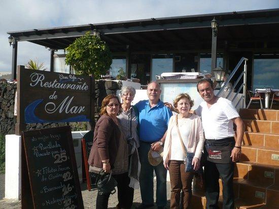 Casa Rafa Restaurante de Mar: Mágnifico Rafa, simpático, amable y entregado.
