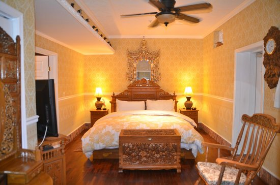 Dover Garden Suites: Luxurious bedroom