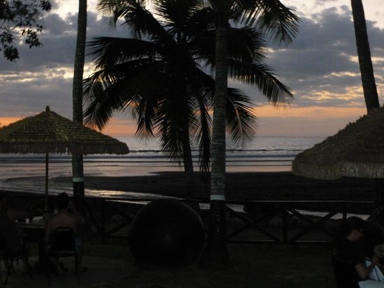 Jaco Laguna Resort & Beach Club: The view from the pool area