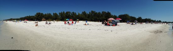 Coquina Beach: Panorama of beach on a March weekend
