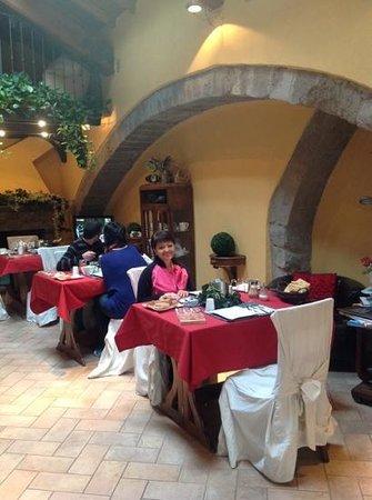 B&B Medieval House: colazione...che relax!