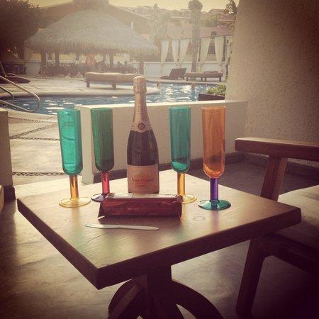 Bahia Hotel & Beach House : Drinks @ terraza