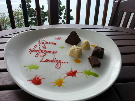 Windjammer Landing Villa Beach Resort : This platter of chocolates was waiting for me in the refrigerator in the room.