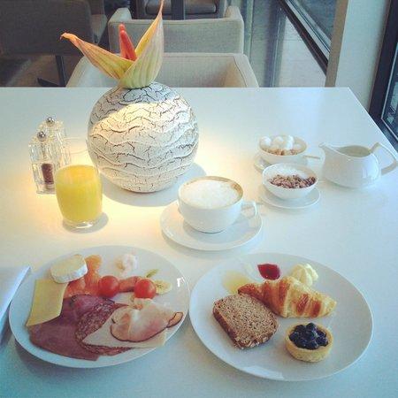 The Mandala Suites: breakfast