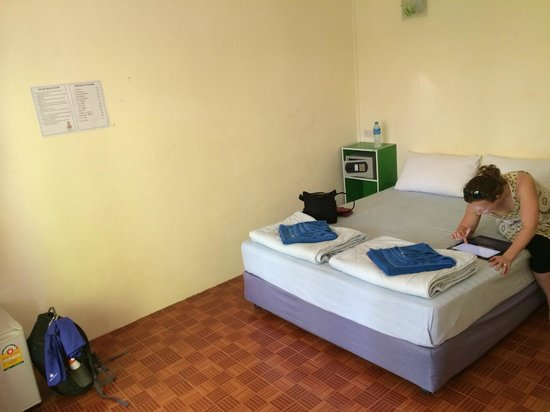 Dee Dee Beach House: Room