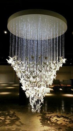 Gallery of Amazing Things: Lladro chandelier - one of about 4 in the world