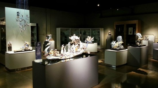 Gallery of Amazing Things: Lladro meets Egypt