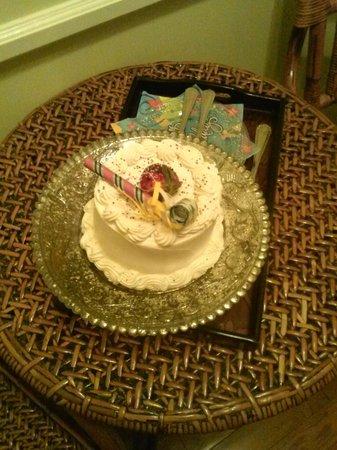 The Cedar House Inn: My birthday cake provided by cindy.