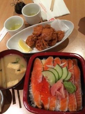 The Chalet Boutique Motel : Salmon don and karaage at Kohan for dinner - yum!