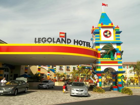 LEGOLAND California Hotel : The front of the hotel
