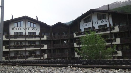 Hotel National Zermatt: ホテルの外観
