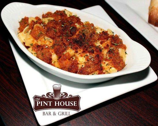 Pint House Bar & Grill: Pimp Mac & Cheese