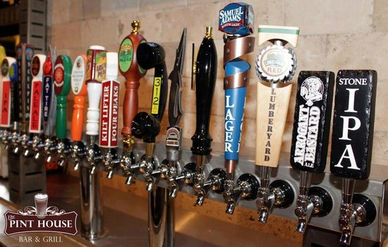 Pint House Bar & Grill: Lots to choose from
