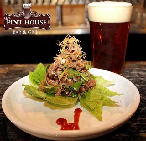 Pint House Bar & Grill: Thai Beef Salad