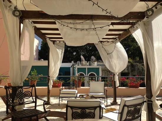 Villa Herencia: Amazing breezy rooftop patio - what a respite!
