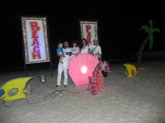 Royal Decameron Barú: beach party
