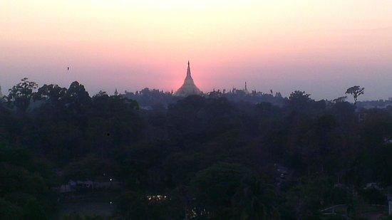 Chatrium Hotel Royal Lake Yangon: view from room