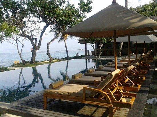 Qunci Villas Hotel: Pool bar