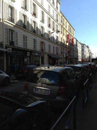 Ibis Paris Levallois Perret : exterior