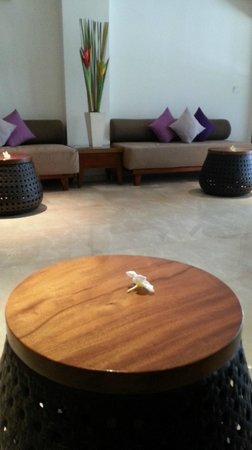 The Magani Hotel and Spa: sitting in the spa waiting area