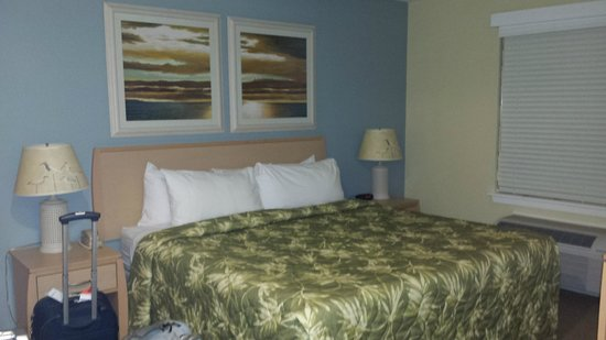 WorldMark San Diego - Mission Valley: master bedroom