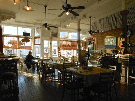 Apalachicola Riverwalk Cafe : Dining room