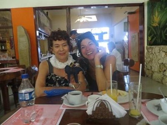 Hotel Xibalba: We met some really nice people. They were having breakfast at the hotel as well.