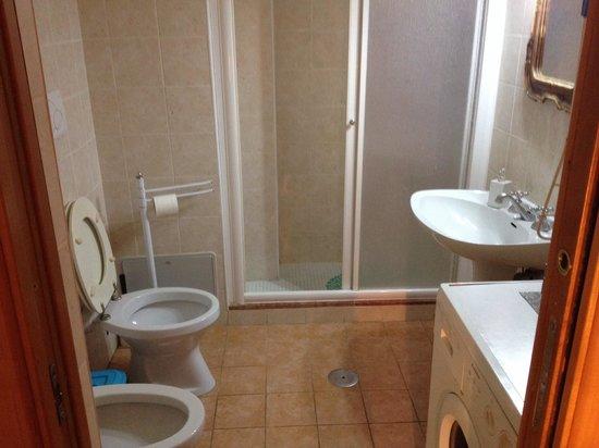 أوبيلوس: Baño