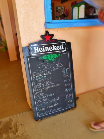 Tropical Sunset Restaurant & Bar: The day's menu