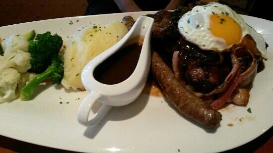 Dixons Creek Cafe Bar & Grill: great value mixed grill steak