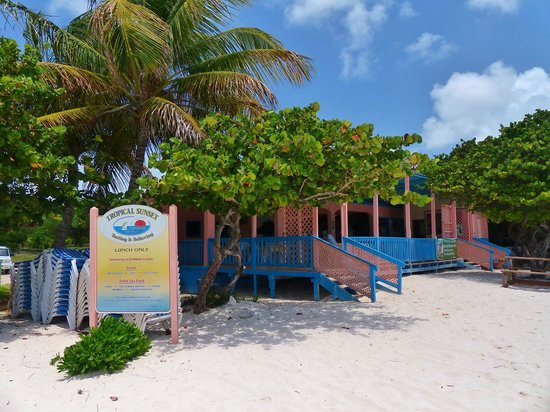 Tropical Sunset Restaurant & Bar: Colourful paint scheme mirrors the sea and sand