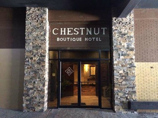 The Chestnut Boutique Hotel: Door to parking garage