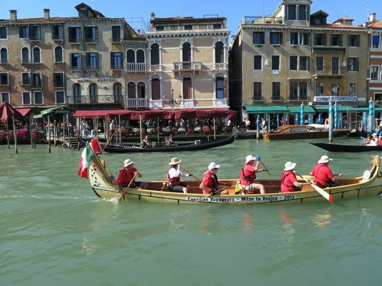 Vaporetto dell'Arte Canal Grande: Hope Our Canadian Friends Like This One