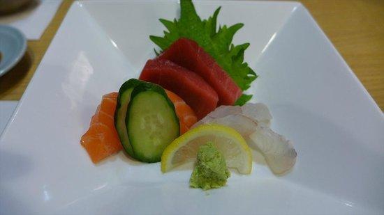 Hatsuhana Restaurant: お造り
