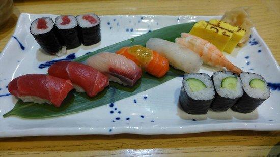 Hatsuhana Restaurant: お寿司