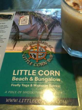 The Turned Turtle Restaurant at Little Corn Beach and Bungalow : B&B