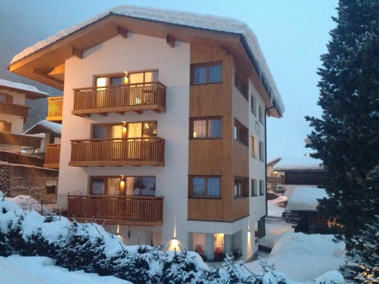 Elvis Apartments: Winter 2013/14-Snow like never before!