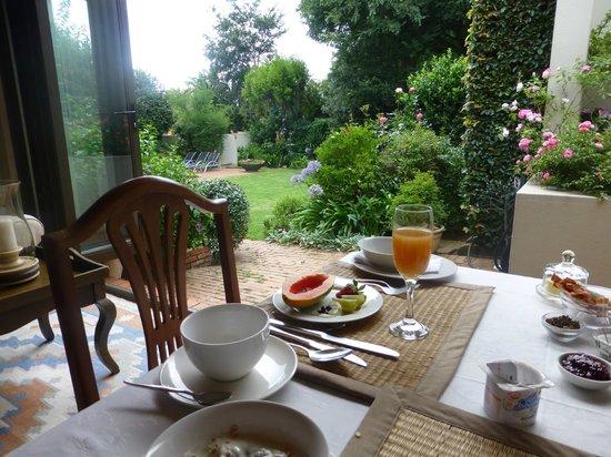 Liz at Lancaster Guesthouse: Breakfast