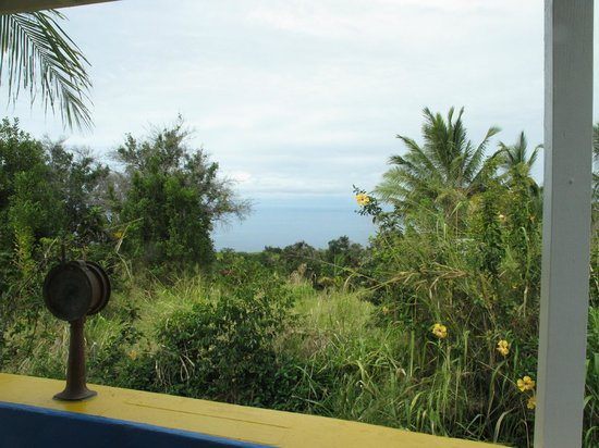 Rainbow Plantation B&B: From the Boat room- representative of view from Lanai