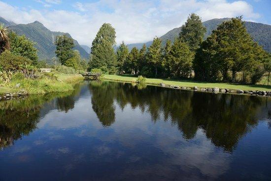 Reflection Lodge : Reflection lake
