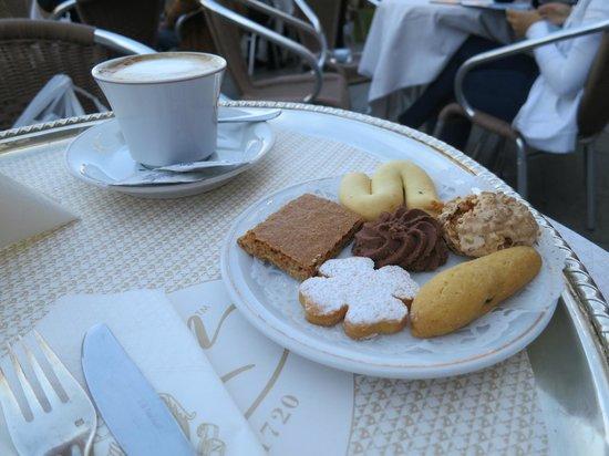 Caffe Florian Venezia: Caffe Florian  |  Piazza San Marco 56-59, Venice, Italy