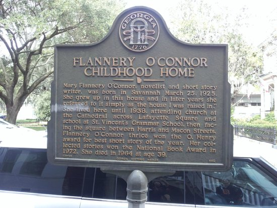 Flannery O'Connor Childhood Home : Plaque in front of the home