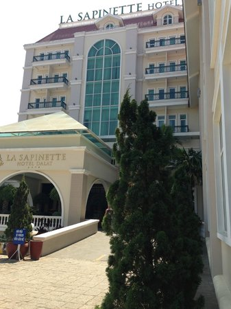 La Sapinette Hotel Dalat: from outside