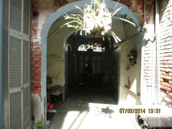 Biscuit Palace Guest House : entrance