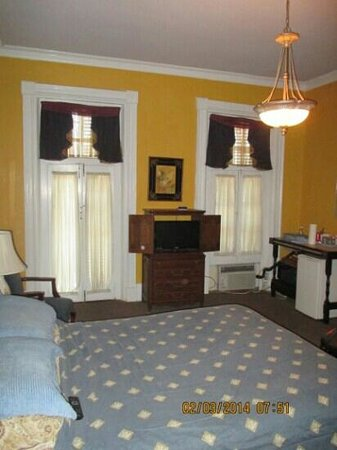Biscuit Palace Guest House: guestroom