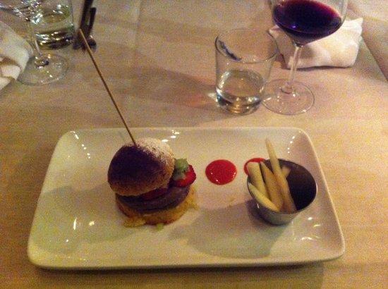 Zerodue Restaurant: Mousse in sandwich di pan di Spagna