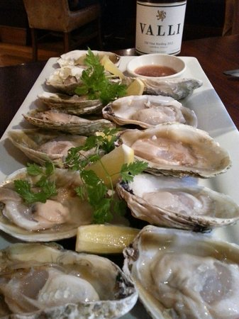 Saffron Restaurant: Bluff oysters in season and the wonderful riesling to boot.