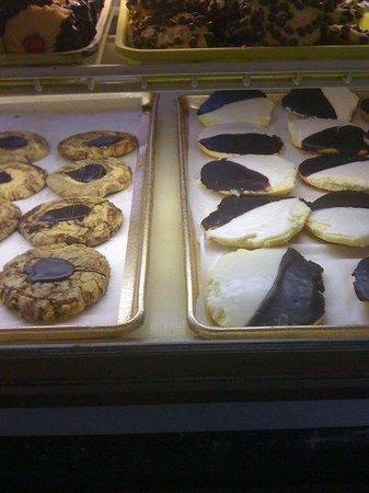 Cohen's Bakery : cookies :)