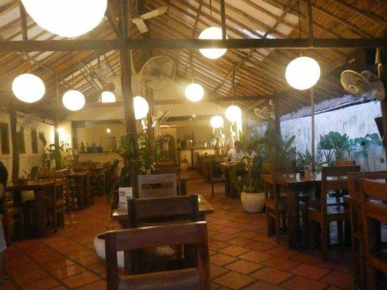 Happa's Restaurant: 店内